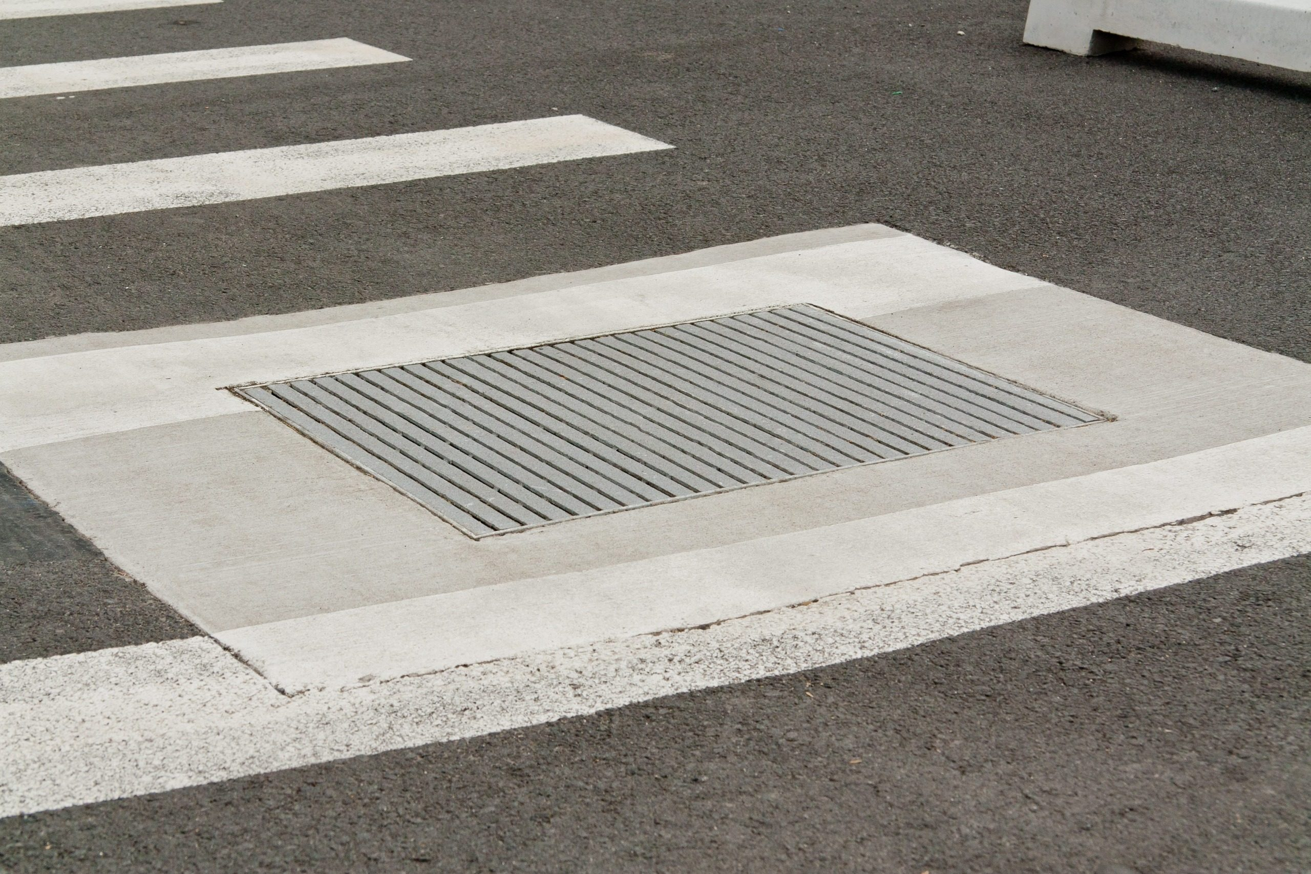 Galvanised Heelproof Grate And Frame Hynds Pipe Systems