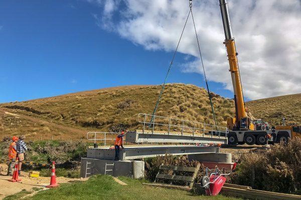 Placing the bridge beams for the Hynds Landspan Bridge